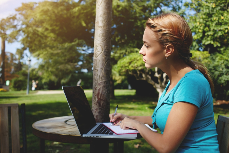 Just How Can A Web-based Tutor Assist You To?