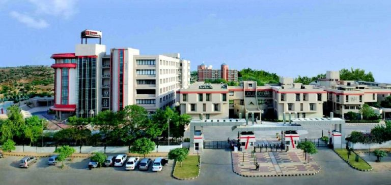 Ansal University or Amity University: Which is better for B.Tech?